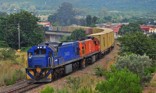 Vận chuyển hàng hóa bằng tàu hỏa